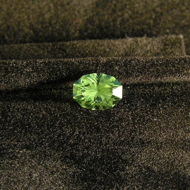 0016 Peridot Origin: Pakistan Size: 5.67x7.61 Weight: 1.32ct Design: